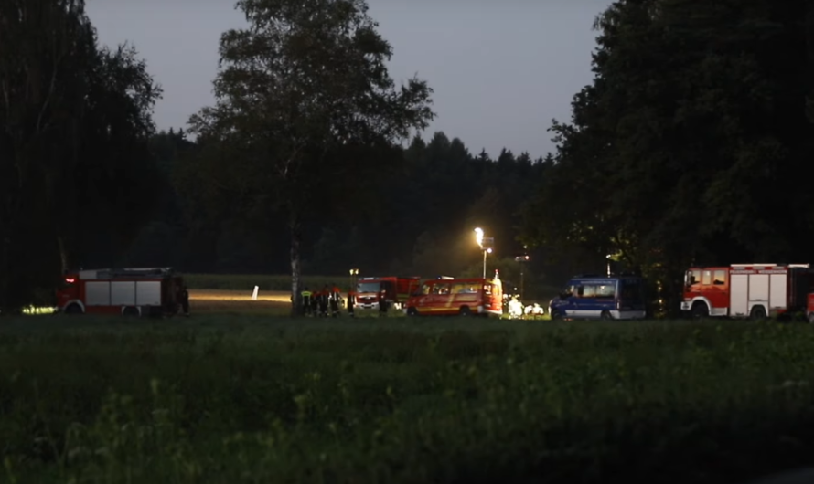 +++ KOLLISION von KLEINFLUGZEUGEN in der LUFT – ABSTURZ bei Weißenhorn +++ [Feuerwehr & THW] – [E
