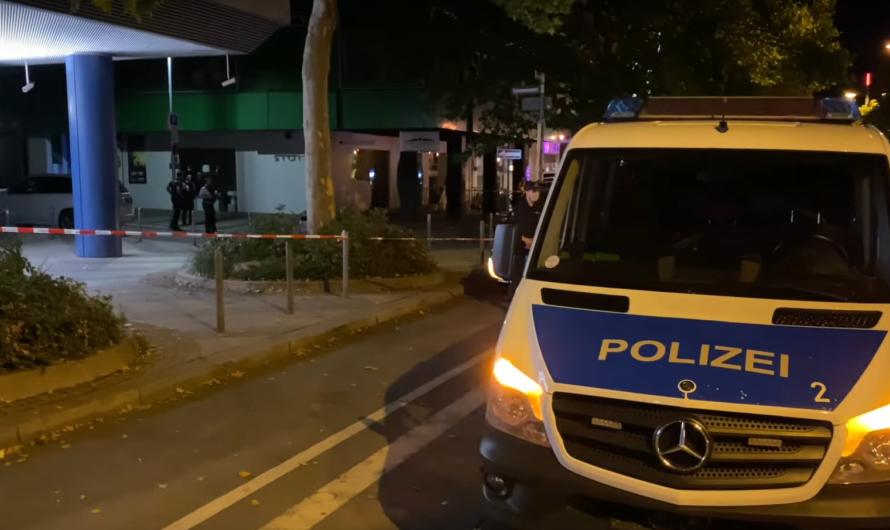 🚨 CRIME in STUTTGART 🚨: MESSERATTACKE AUF EIGENE FRAU & BEGLEITER 🚓 POLIZEIEINSATZ + SPURENSICHERUNG
