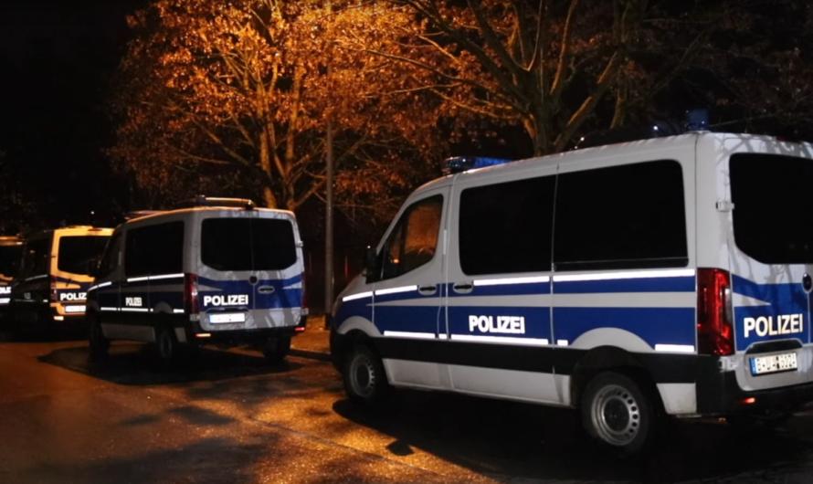 Ebersbach/Fils: 🚨 [CRIME] 🚨- 2 MÄNNER SCHLAGEN AUF PAAR EIN | 26-Jähriger wird tödlich verletzt