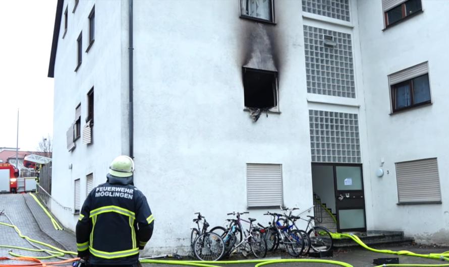 + FEUER 🔥 in Flüchtlingsunterkunft + BRAND 4 in MÖGLINGEN – Feuerwehren im Brandeinsatz [E]