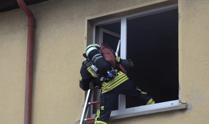 2. Alarm 🚨 [Feuer in Gaststätte – 8 Verletzte] 🚒 Feuerwehr Stuttgart mit Löscharbeiten in Feuerbach