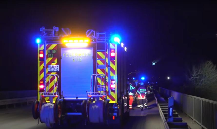 🚒 Großalarm für Feuerwehren in Markgröningen 🚒 BRANDALARM am ZUG 🚒 140 Einsatzkräfte im Einsatz
