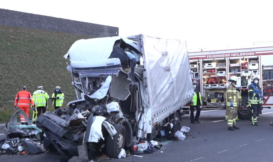 ++ A6: Tödlicher Auffahrunfall ++ Transporter total zerstört | 🚒 Rettungseinsatz Feuerwehr Heilbronn