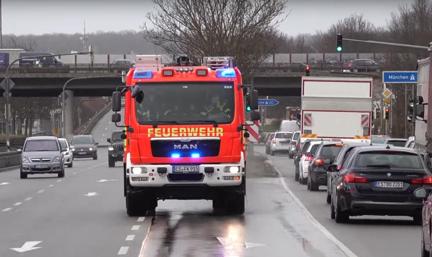 😍 Schöne Fahrzeuge & Design 🚒 Hilfeleistungszug (H3) Feuerwehr Kirchheim/Teck auf Einsatzfahrt 🚨