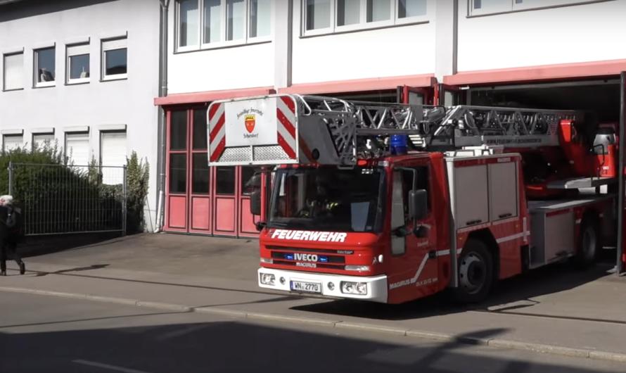 🚨 Alarm für Freiwillige Feuerwehr Schorndorf 🚨 Löschzug rückt aus 🚒 🚒 🚒