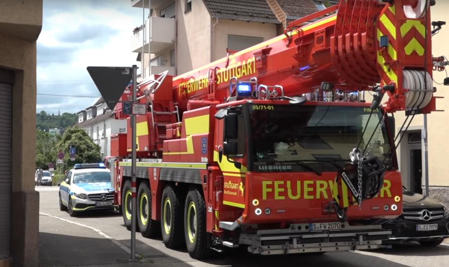 ➕ Erstmalig ➕ 🚒 Neuer Feuerwehrkran Feuerwehr Stuttgart 🚒 | 😍 Alarmfahrt mit Pressluft ▶️ The Beast