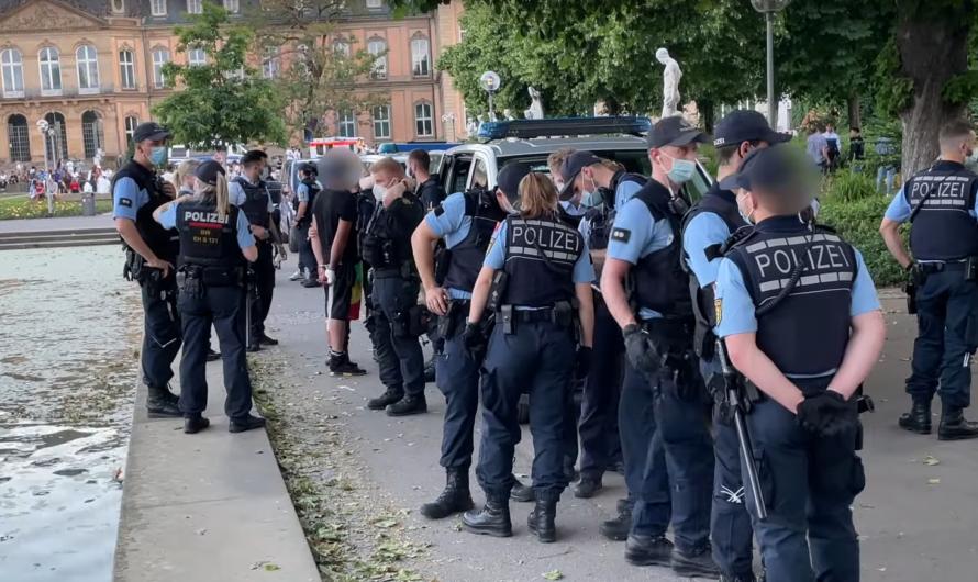Stuttgart: Streit mit Tätlichkeit = 🚔 Polizeieinsatz am Eckensee 👮♂️ + 🚑 Rettungseinsätze + Müll