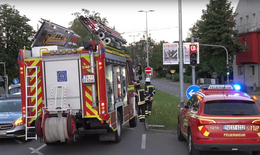 Crash in Tübingen wegen tiefstehender Sonne ☀️ | 2 Verletzte | 🚒 Feuerwehr vor Ort