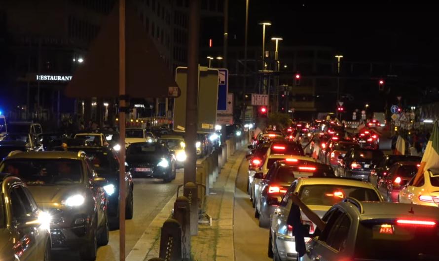 🇮🇹 Autokorso in Stuttgart am Hauptbahnhof 🇮🇹 Tifosi feiern Ihren Europameister 🇮🇹 Feierstimmung