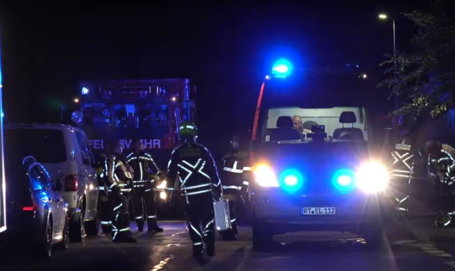 🔥 Feuer im Mehrfamilienhaus 🔥 Rettung der Bewohner 🚓 🚑 🚒 Größerer Einsatz Feuerwehr Münsingen