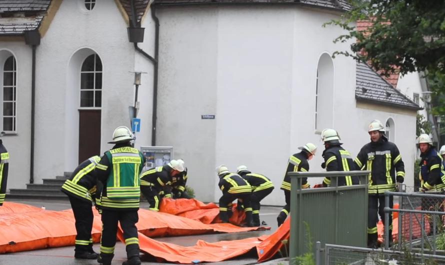 🚒 Einsatz für die Feuerwehren 🚒 = 👨🚒 Aufbau Hochwasserschutz System in Bad Überkingen an der Fils