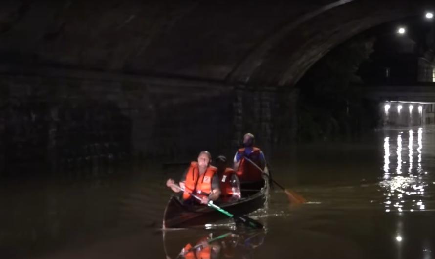 🆘 Hagen – Rettung mit Kanu aus den Fluten 🚒 + Räumpanzer Bundeswehr + Fluten reißen Hauswand weg 🆘