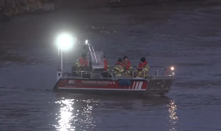 ▶️ Wasserrettung ◀️ Suche nach gekentertem Kanu auf Neckar 🚨 DLRG + FW + RD + POL 🚒🚓🚑 [Archivdoku]