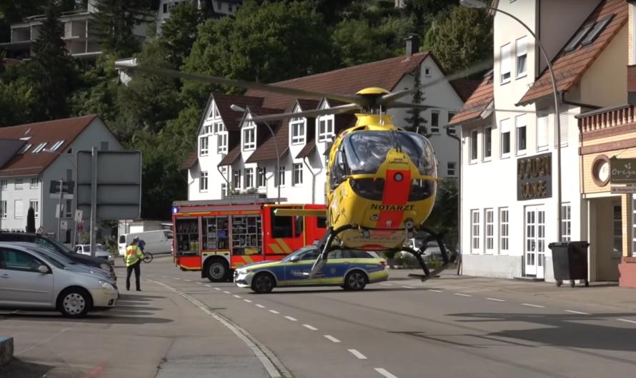 😡 Dutzende Gaffer beim Unfall 😡 – Kind von PKW erfasst & tödlich verletzt 🚓 🚑 ➕ Feuerwehr Backnang 🚒