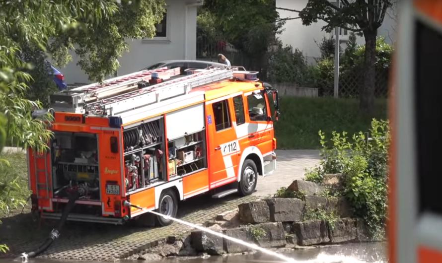 Lindenbachsee droht umzukippen 🚒 Feuerwehr Stuttgart wälzt Wasser um 🚒 Einblick ins GTLF (Tank)