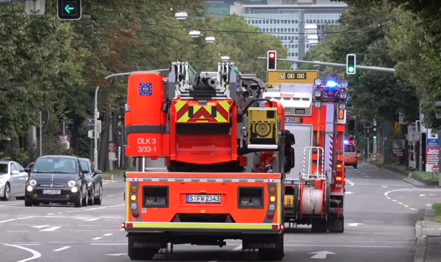 🚨 Alarm Löschzug Feuerwache 3 Stuttgart 🚨 ✌️ Peace-Gruss vom HLF-B ✌️ Danke – Gruß geht zurück 🚒