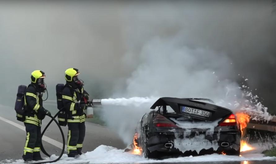 A52: 💥 Detonation am Gasfahrzeug 🔥 Mercedes SLK im Vollbrand 🔥 🚒 Löscharbeiten Feuerwehr Marl 🚒