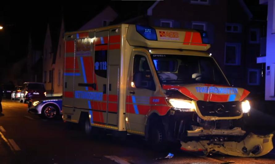 ❌ Rettungswagen rammt Piaggio (Ape) ❌ 1 Person eingeklemmt   🚓🚑🚒 Technische Rettung Feuerwehr Süssen
