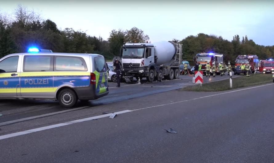 ⭕️ Tödlicher Unfall ⭕️ Audi kracht massiv in Gegenverkehr mit Betonmischer 🚒 Feuerwehr Reichenbach